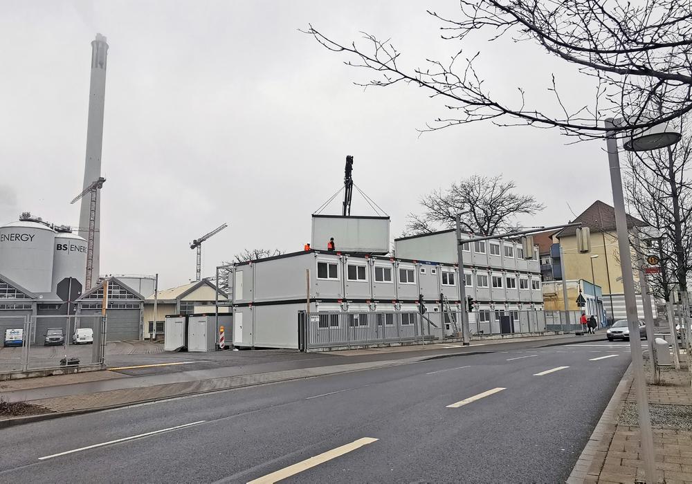 Das Containerdorf entsteht.