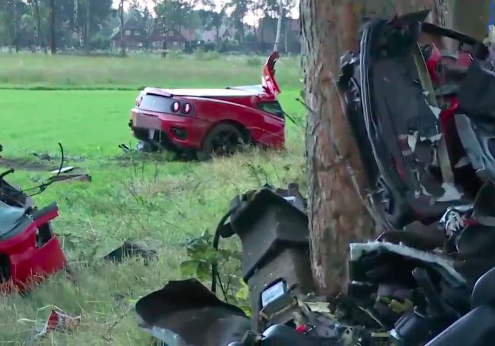 Der Ferrari wurde in drei Teile zerrissen, der Fahrer war vermutlich sofort tot.