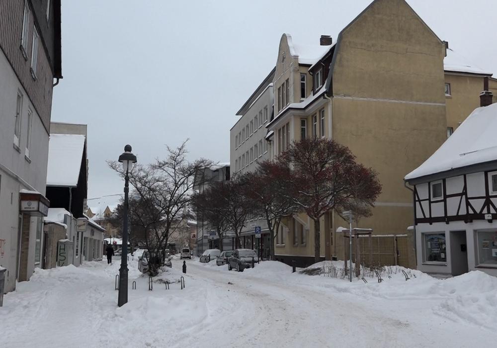 Die Blutttat ereignete sich in dem beigefarbenen Haus in der Bodenstedtstraße. Archivbild.