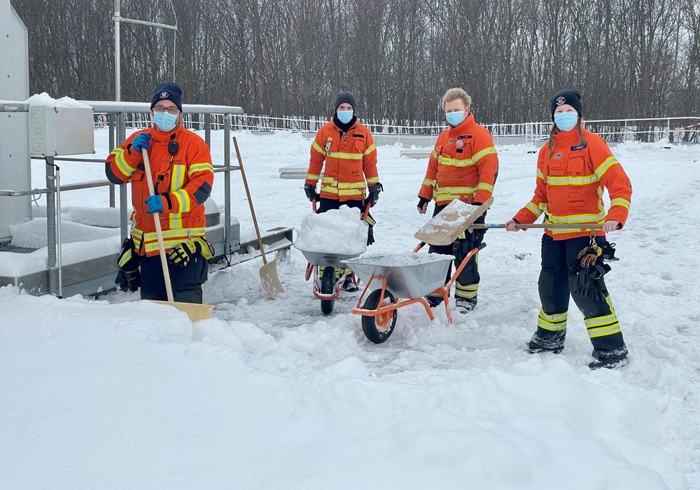 Die Feuerwehr war in den vergangenen Tagen häufig im Schnee-Einsatz