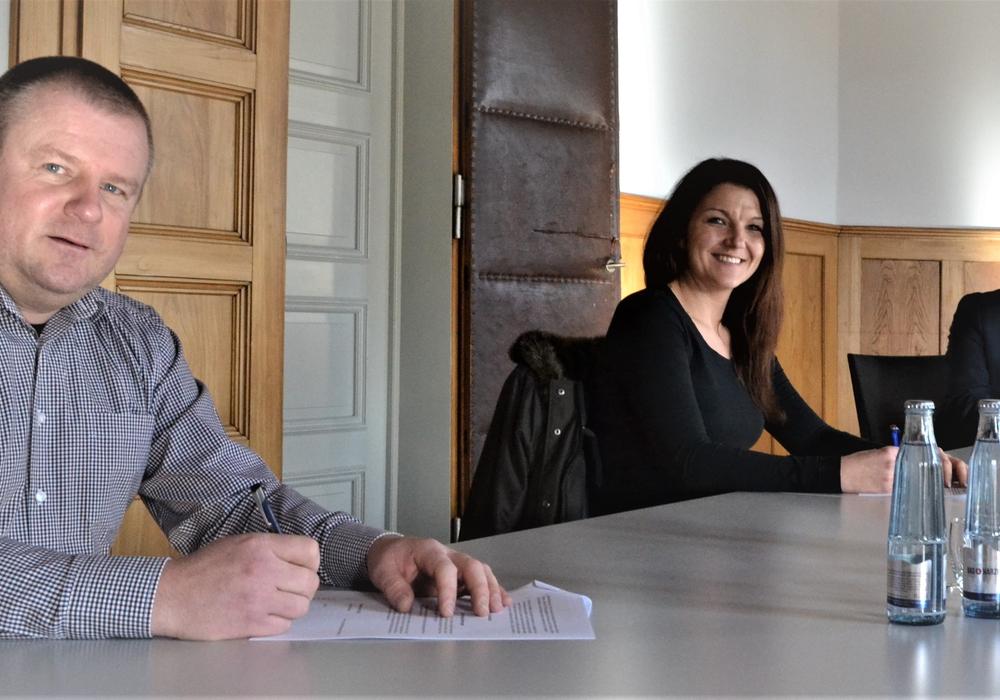 Markus Göbecke (2. Vorstandsvorsitzender), Ramona Christ (1. Vorstandsvorsitzende), Landrat Gerhard Radeck