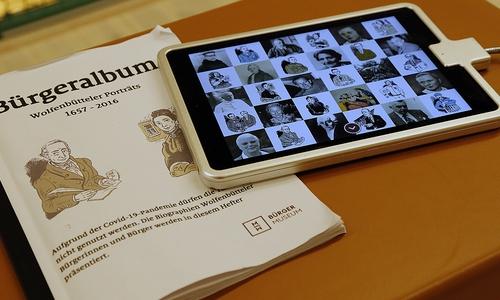 Das Bürgeralbum (1657 bis 2016) digital und als Ausdruck.