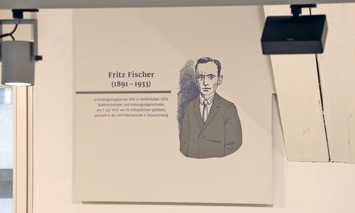 Die Illustration des NS-Verfolgten Fritz Fischer (1891 bis 1933) an der Wand des Bürger Museums.