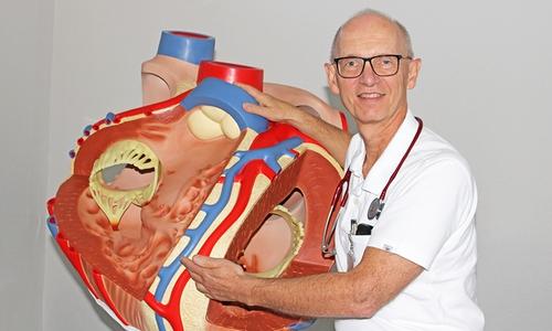 Prof. Dr. Dirk Hausmann, Ärztlicher Direktor und Chefarzt der Klinik für Innere Medizin – Kardiologie.