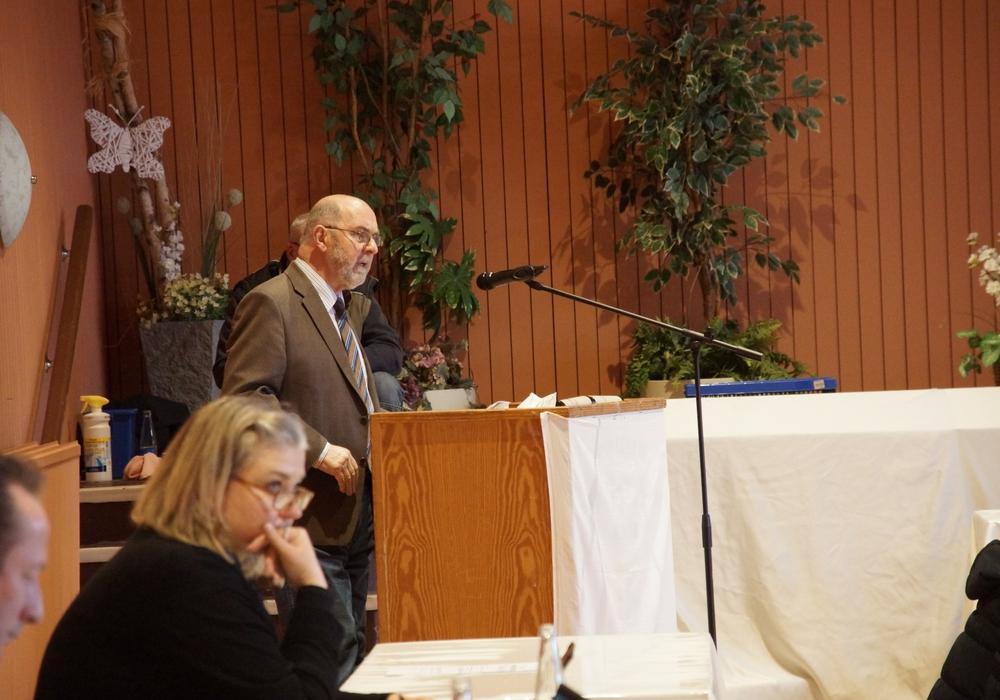 Christian Rehse (FDP) bei einer Rede im Finanzausschuss der Stadt Goslar (Archivbild).