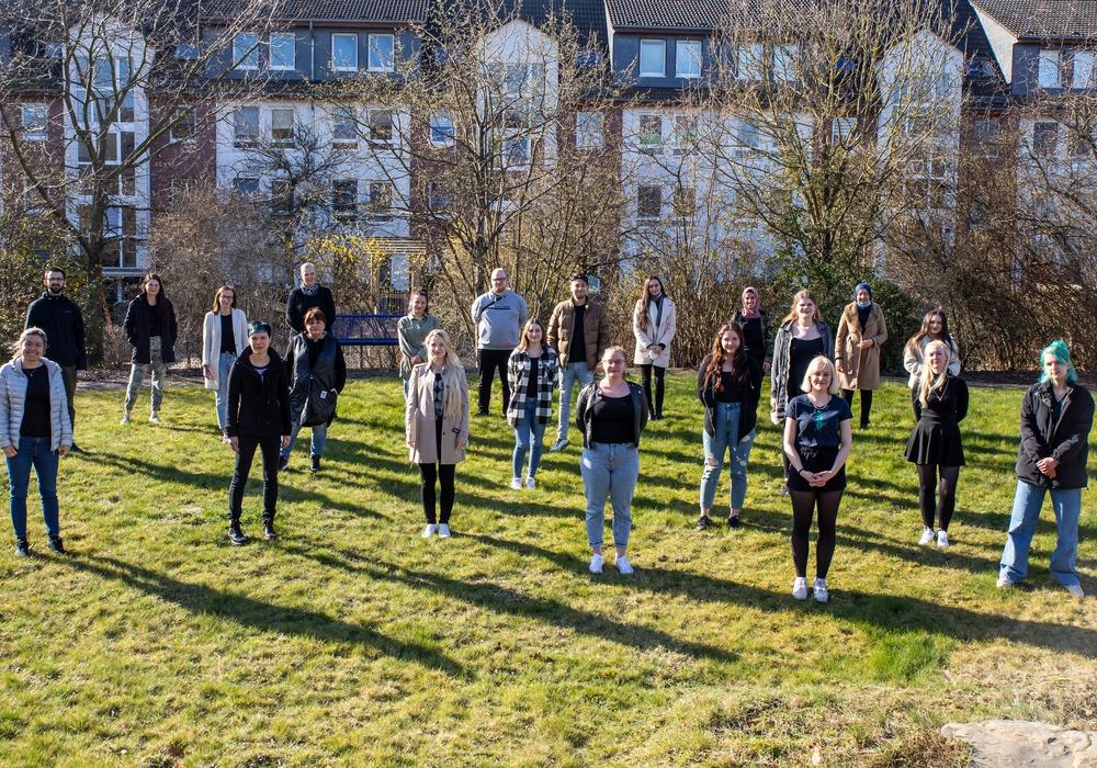 nsgesamt 42 Auszubildende wurden in der Berufsfachschule Pflege begrüßt (coronabedingt sind nicht alle auf dem Bild)