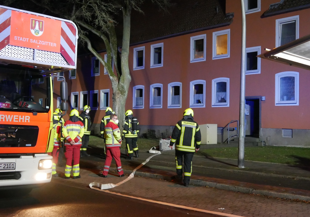AM Freitagabend brannte erneut ein Kinderwagen in Lebenstedt - es war der sechste Brand dieser Art.