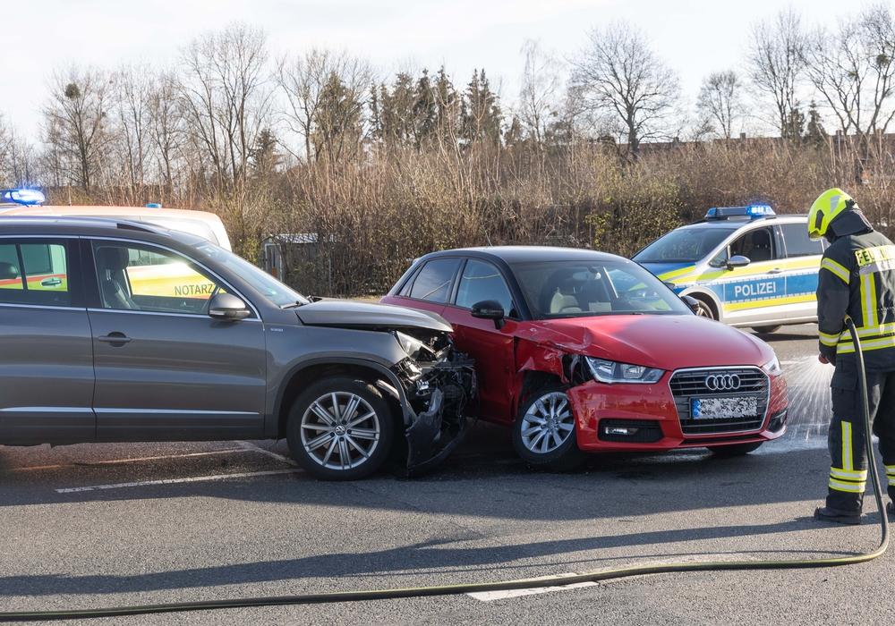 Die Fahrzeuge waren ineinander gefahren.