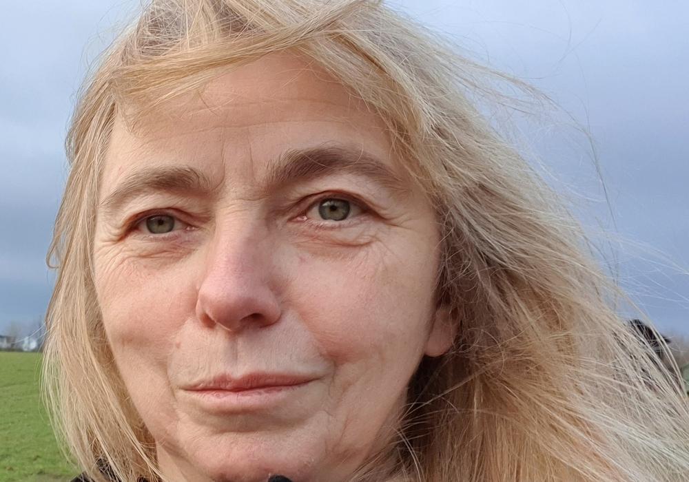 Christiane Jagau fordert ein unabhängiges Gremium, welches die Gesetze vor Verabschiedung überprüft.