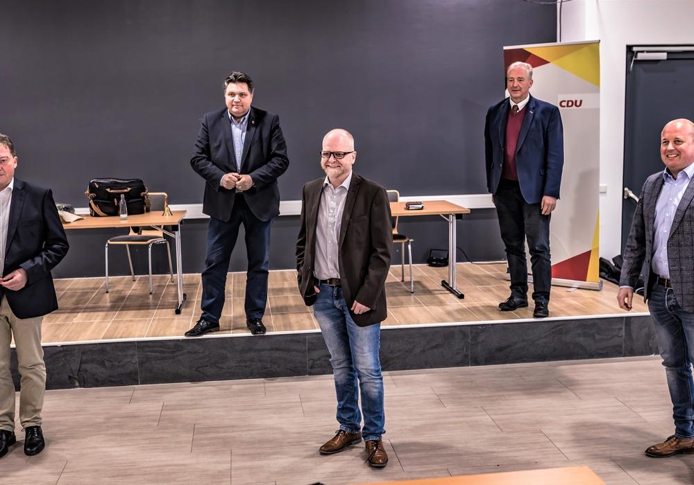 Von links: Vorsitzende der CDU/FDP Gruppe im Rat der Gemeinde Cremlingen Uwe Lagosky, Landratskandidat Uwe Schäfer, Bürgermeisterkandidat Tobias Breske und Landtagsvizepräsident Frank Oesterhelweg und Bundestagskandidat Holger Bormann.