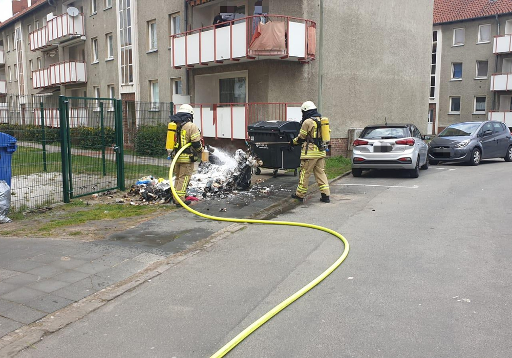 Im Virchoweg brannte eine Mülltonne.
