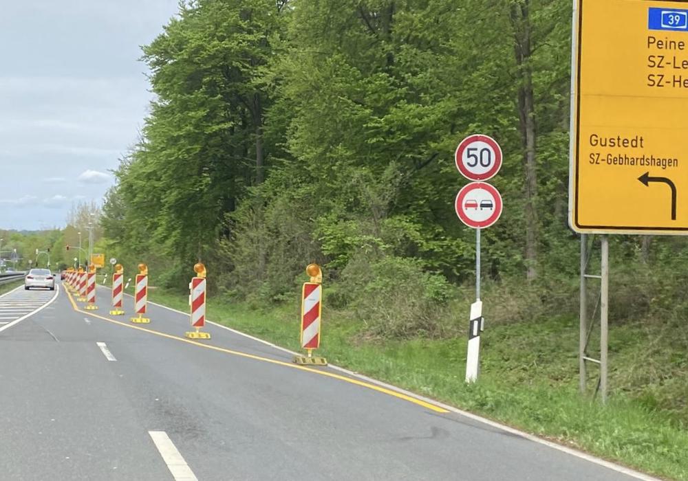 Die Nord-Süd-Straße in Richtung Gebhardshagen ist in Höhe Calbecht/Engerode derzeit nur einspurig befahrbar.
