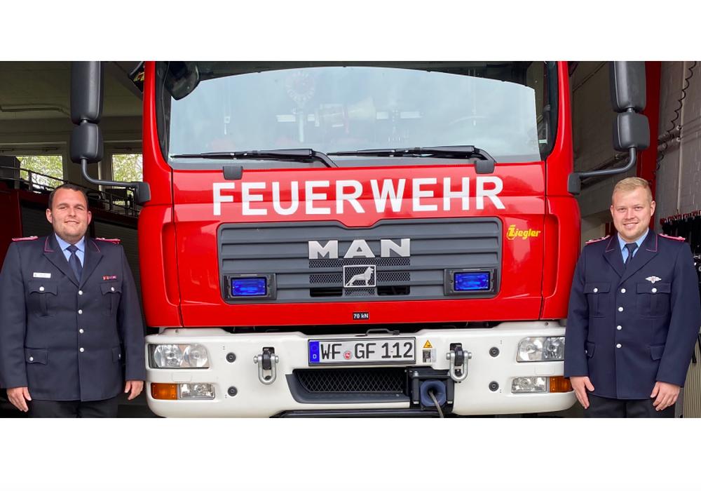 Der neugewählte Ortsbrandmeister Felix Kunze und der neugewählte stellvertretende Ortsbrandmeister Marcel Herzke