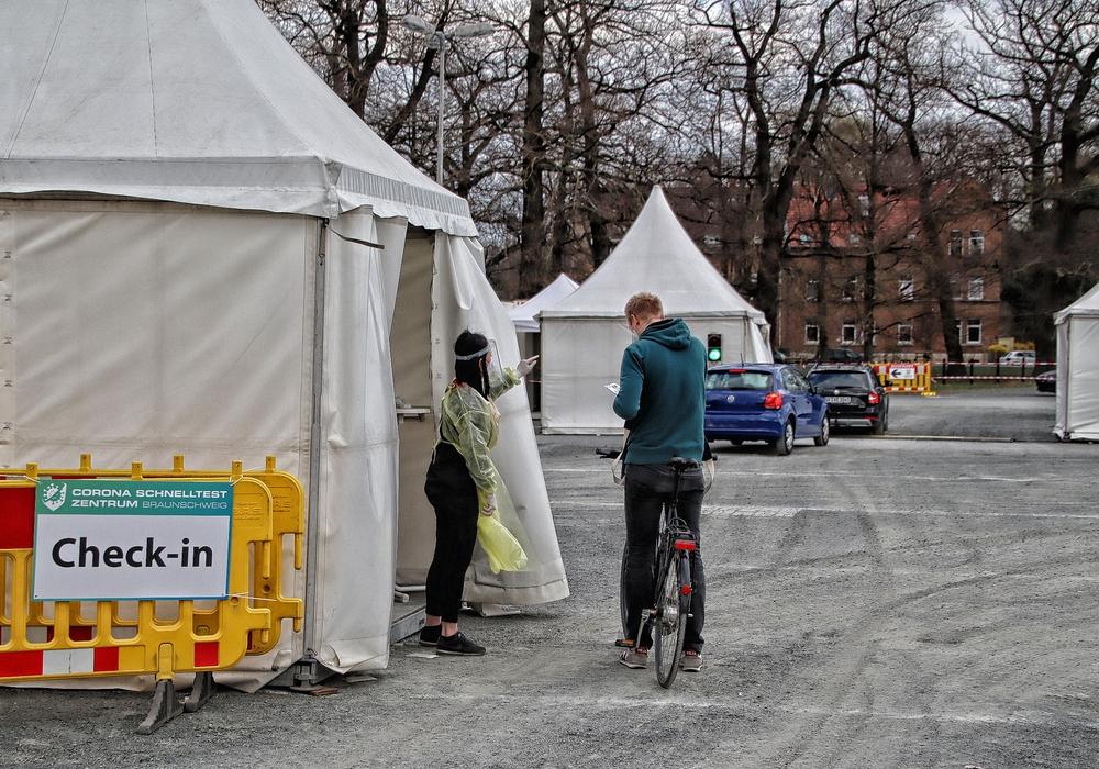 Der Schnelltest-Drive-In in Braunschweig.