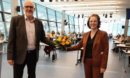 Die neue Erste Verbandsrätin Anna Weyde mit dem Verbandsvorsitzenden Detlef Tanke.