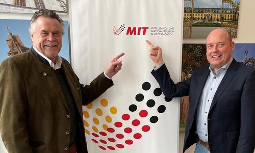 Der bisherige MIT-Landeschef Werner Lübbe mit seinem Wunschnachfolger Holger Bormann.