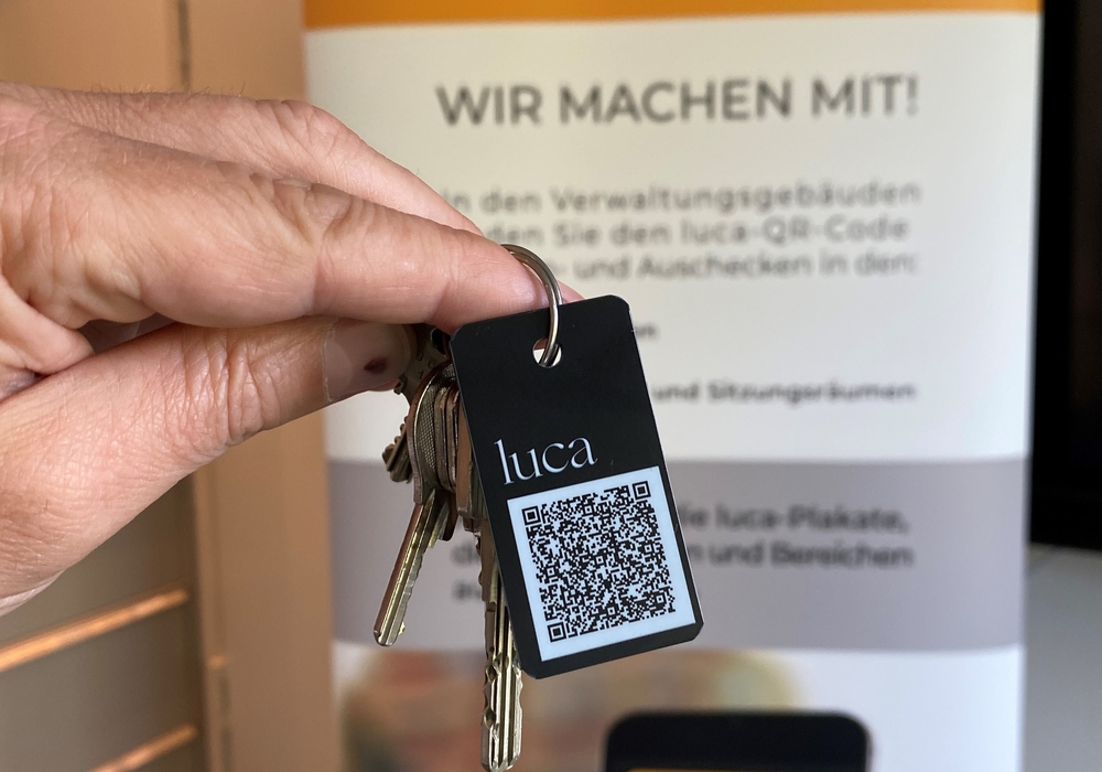 Die luca-App kann per Smartphone oder auch analog genutzt werden.