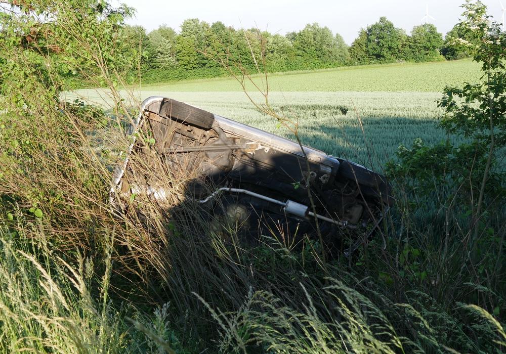 Das Auto war im Graben gelandet.