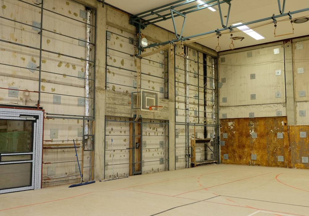 Die Sporthalle hat erheblichen Sanierungsbedarf.