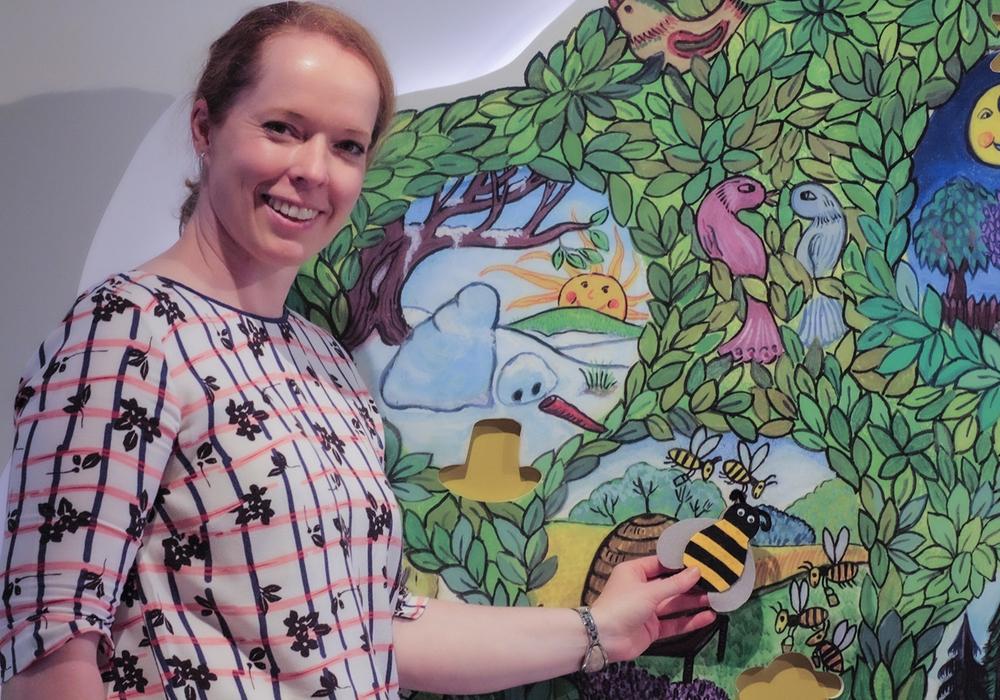 Christina Dykan Andrés startet mit Hoffmann von Fallersleben kreativ in die Sommerferien.