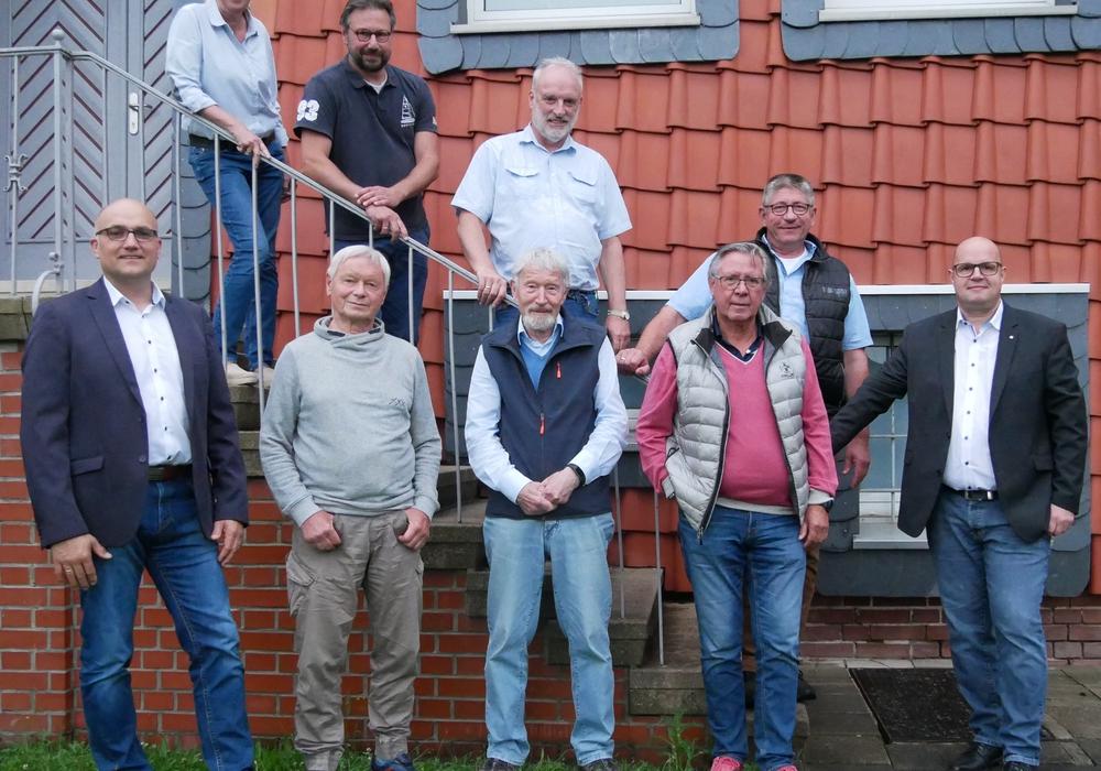 Sie wollen am 12. September 2021 für den Rat der Samtgemeinde Baddeckenstedt kandidieren: Hubertus Wesemann, Günther Bley, Axel Vöhringer, Eckhard Obermann, Alexander Kott, Astrid Sonnemann-Pröhl, Michael Coselli, Hans-Heinrich Wolf, Dirk Swen Wiezer.