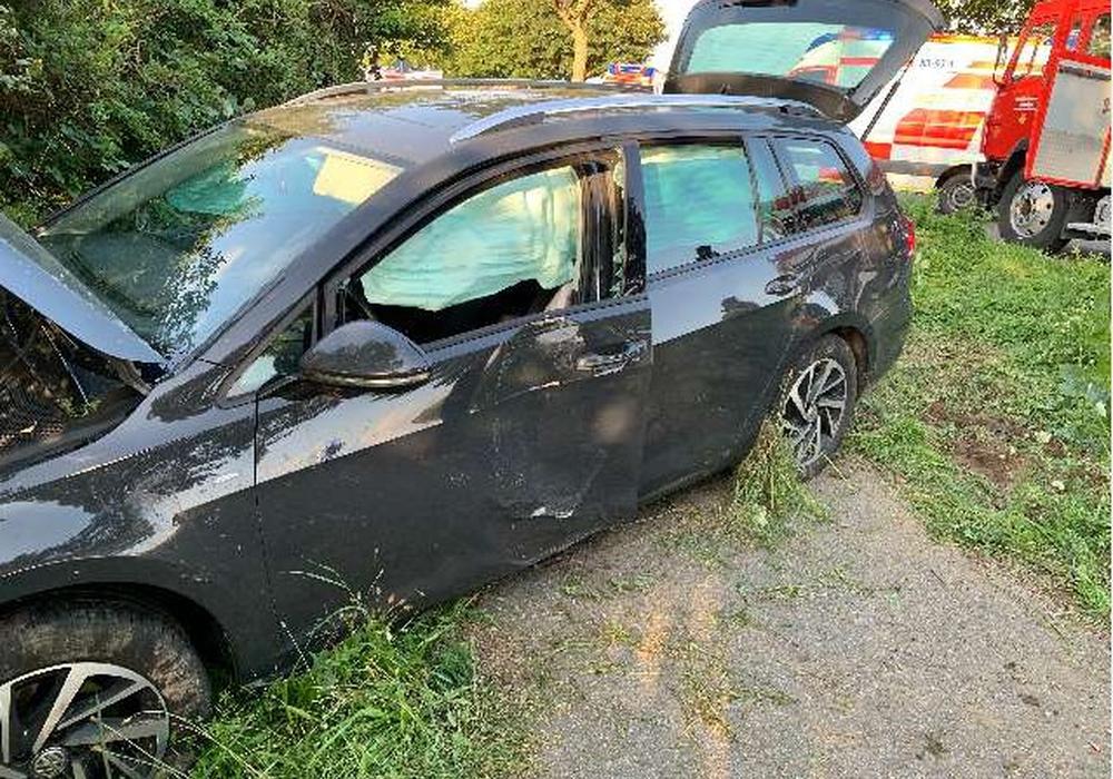 Der Unfallsschaden am VW Golf.