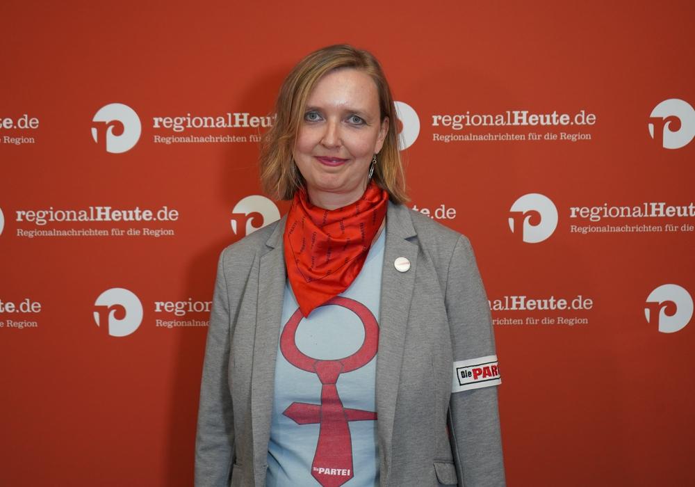 Bettina Kiehne-Weinreich (Die Partei) will Dennis Berger unterstützen.