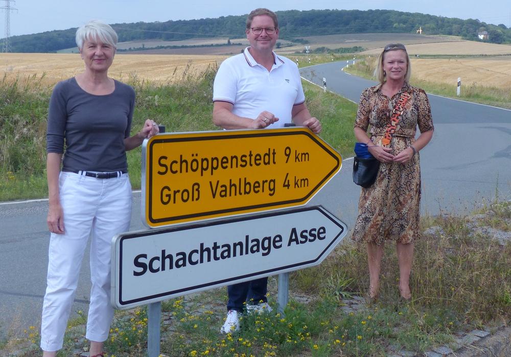 Von links: Die Wolfenbütteler Landrätin Christiana Steinbrügge und die Landtagsabgeordneten Marcus Bosse und Dunja Kreiser.