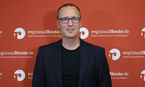 Dr. Roy Kühne (CDU) gewinnt bei der Juniorwahl das Direktmandat. In der echten Wahl scheiterte er an Frauke Heiligenstadt (SPD).