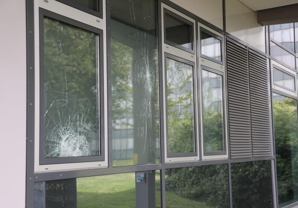 Das Rathaus in Salzgitter-Lebenstedt wurde Opfer von Vandalismus.