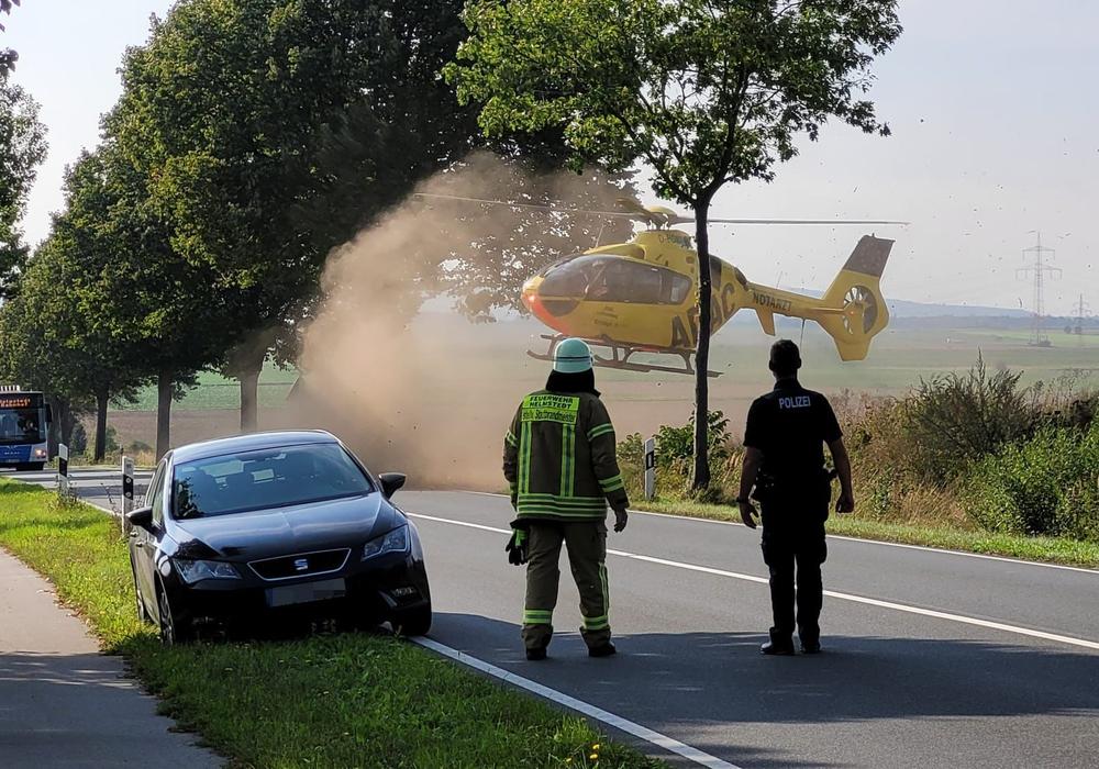 Der Rettungshubschrauber brachte eine Person ins Krankenhaus.