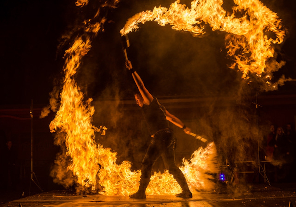 Tankumsee in Flammen