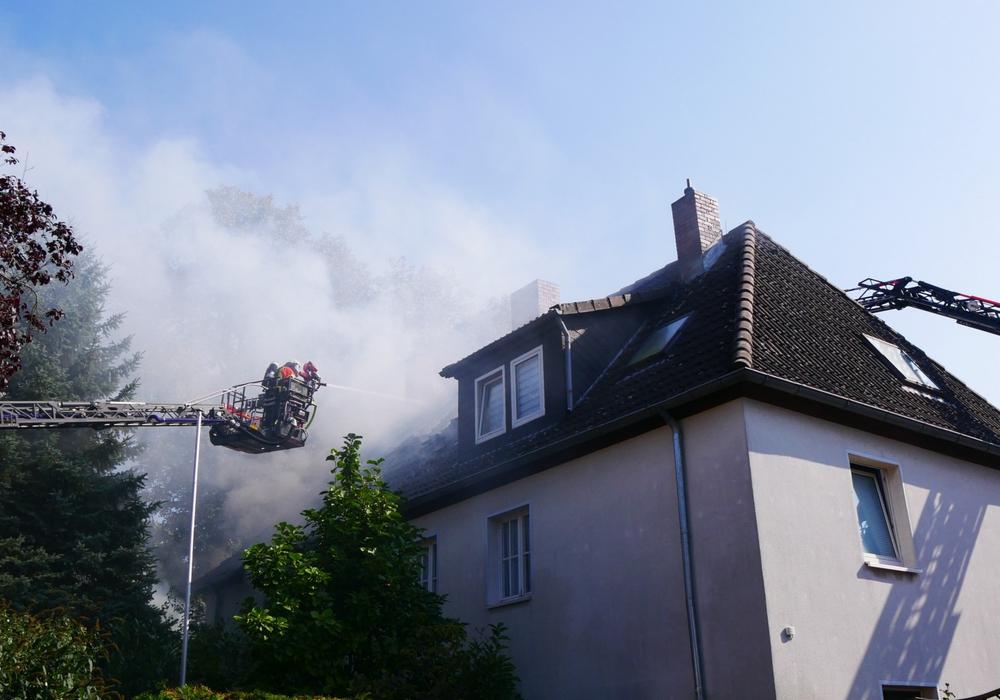 In Braunschweig stand eine Doppelhaushälfte in Vollbrand.