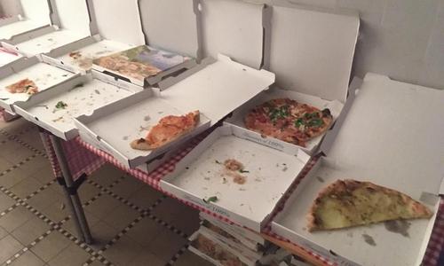 Bei der Wahlparty der SPD gab es Pizza.
