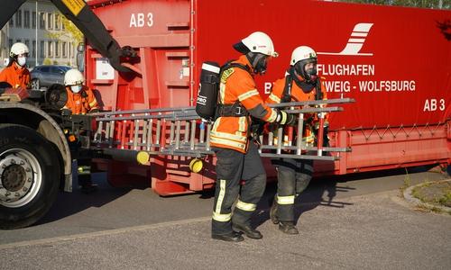 Insgesamt waren etwa 120 Rettungskräfte im Einsatz.