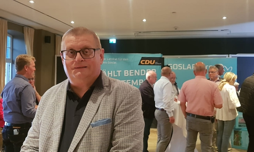Axel Bender (CDU) sieht vor allem den CDU Bundestrend als Ursache seiner sich abzeichnenden Wahlniederlage.