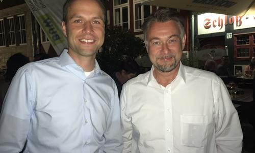 Dennis Berger (links, SPD) und Ivica Lukanic (parteilos) gehen am 26.9. September in die Stichwahl